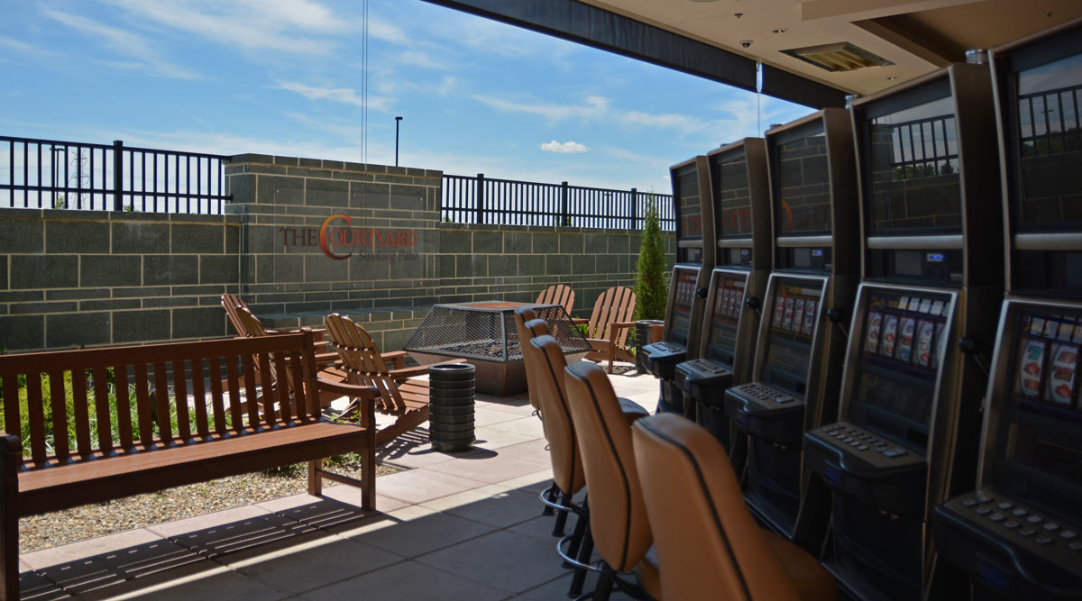The Courtyard Smoking Patio at Scioto Downs Racino
